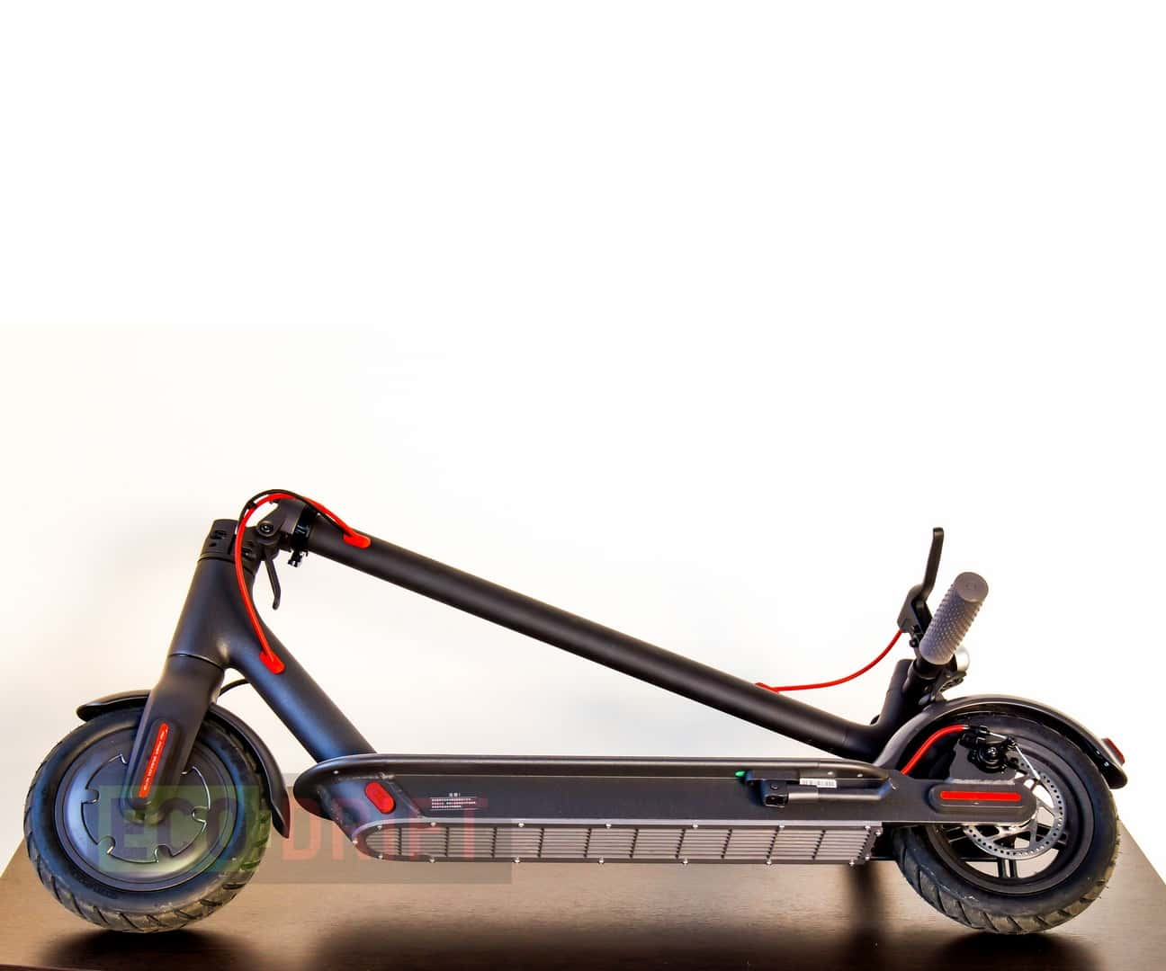 Xiaomi_Mijia_Electric_Scooter-вид_снизу