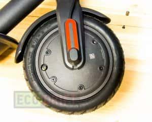 xiaomi_mijia_electric_scooter_perednee_motor-koleso_sboku