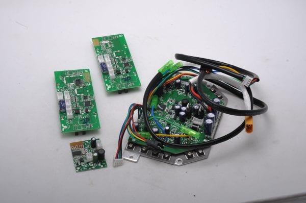 Контроллер гироскутера 10.5 (комплект - центральная, 2 боковые, bluetooth)