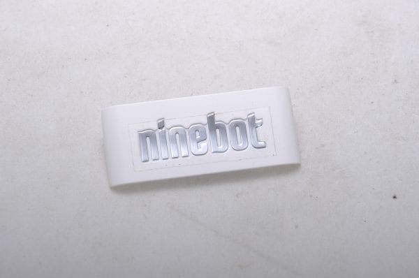 Логотип мини-сигвея Ninebot by SegWay Mini Pro белый